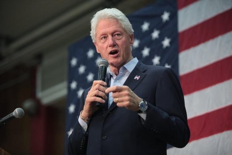 Klinton xəstəxanalıq olub...
